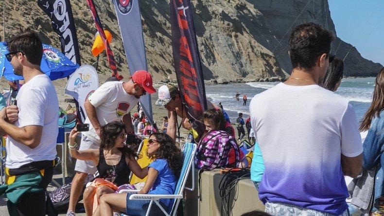 El Encuentro Austral también sirvió para la salida a la playa entre amigos y familia.