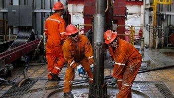 el martes triaca y aranguren reciben a gremialistas petroleros