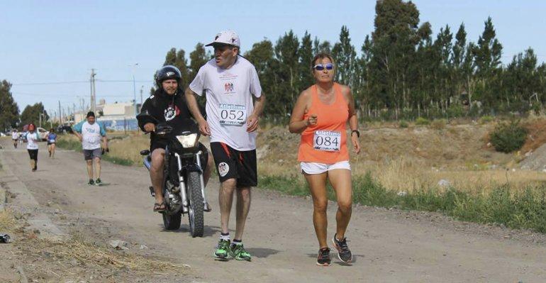 Oscar Cachito Cárdenas en plena competencia.