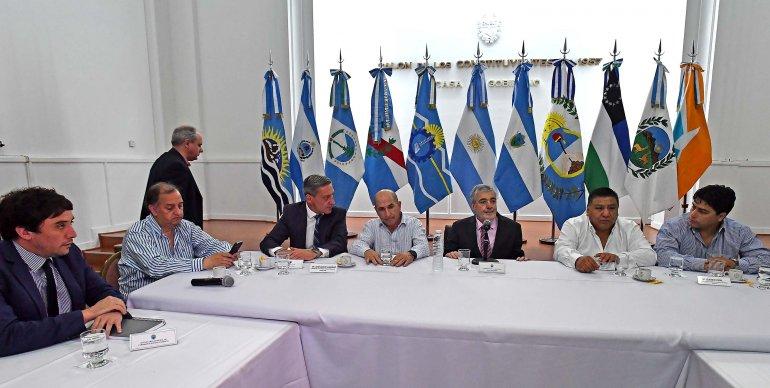 En la cumbre petrolera se acordó priorizar el diálogo con Nación para sostener la actividad