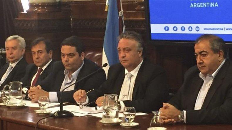 Triaca y Daer presentaron sus consensos en la Comisión de Trabajo del Senado.