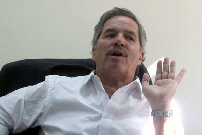 Solá criticó el cambio en el blanqueo: El decreto es a la medida de Franco Macri