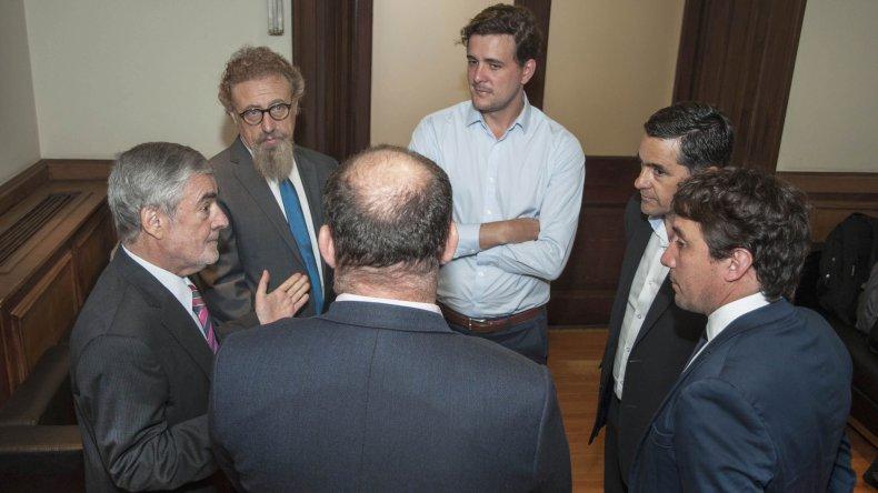 Das Neves estuvo acompañado por el ministro Coordinador de Gabinete, Alberto Gilardino; el ministro de la Producción, Hernán Alonso; y el senador Nacional Alfredo Luenzo.