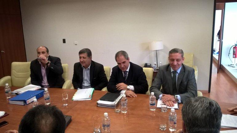 El ministro Oca se fue con buenas sensaciones tras la reunión con los diputados provinciales.