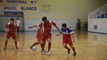 En el fútbol de salón se inician los cruces del torneo Clausura 2016.