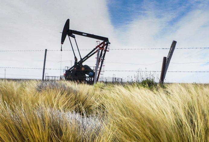 El precio del crudo y del gas, clave para evitar despidos en la Cuenca