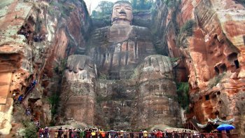 gran buda de leshan:  la mayor estatua  antigua del mundo