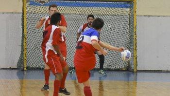 El fútbol de salón de Comodoro Rivadavia continuará esta tarde con la programación de sus respectivos torneos.