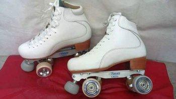 en un robo se llevaron los patines de una nina y ruegan que los devuelvan