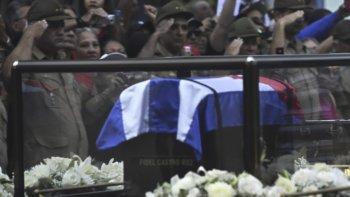 Los actos funerarios en Santa Ifigenia fueron de carácter privado y reservado a la familia de Castro.