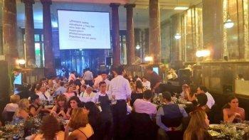 intoxicacion masiva en una cena de la universidad de rosario