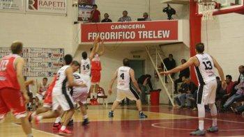 Huracán de Trelew intentará esta noche volver a la victoria ante el líder Estudiantes de Olavarría.