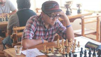 El comodorense Gabriel Ulloa totalizó 5 unidades y a pesar de caer en la última partida se quedó con el título.