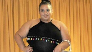 eligieron reina distrital de la vendimia a una chica que pesa 122 kilos