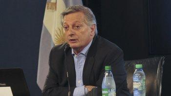 El ministro de Energía ponderó los aumentos en las tarifas de luz y gas.