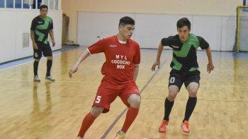 Esta noche continuará toda la acción del torneo Clausura de fútbol de salón de Comodoro Rivadavia.