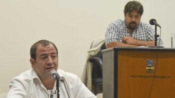 Mientras Pablo Martínez (Cambiemos) defendió la decisión de Macri, Guillermo Almirón (FpV) la cuestionó con dureza.