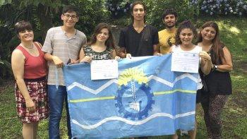 Los alumnos del Colegio Patagónico del Sol lograron una mención en la Olimpíada Nacional de Filosofía que se realizó en Tucumán.