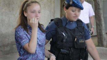 rescataron a una nina que habia sido encadenada por su familia