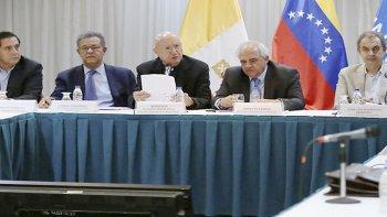 Monseñor Celli dijo que oficialismo y oposición acordaron plazos para trabajar en mesas temáticas.