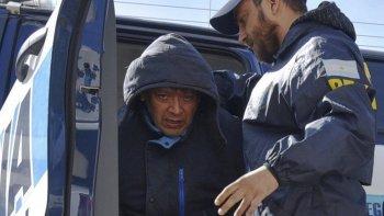 Alejandro Jano Calderón (foto), tres de sus hijos -dos de ellos suboficiales de la Policía de Santa Cruz- y un amigo de la familia, fueron notificados de la prisión preventiva.