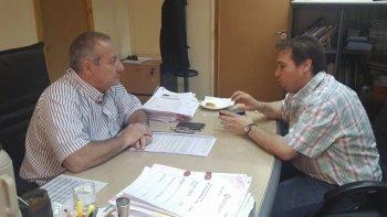 El encuentro entre el ministro de Salud, Ignacio Hernández y el diputado provincial Gustavo Fita.