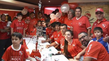 Hinchas caletenses de Independiente de Avellaneda, recuperaron la vigencia de la Peña Orgullo Nacional.