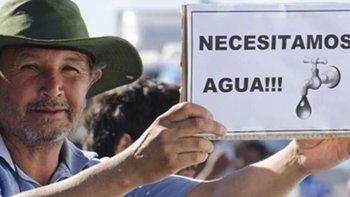 La Agrupación Permanente de Vecinos Autoconvocados llamó a toda la comunidad a participar el martes 13 de una nueva marcha de protesta debido a los persistentes cortes de agua.
