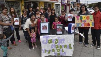 Lanzan campaña solidaria por una niña
