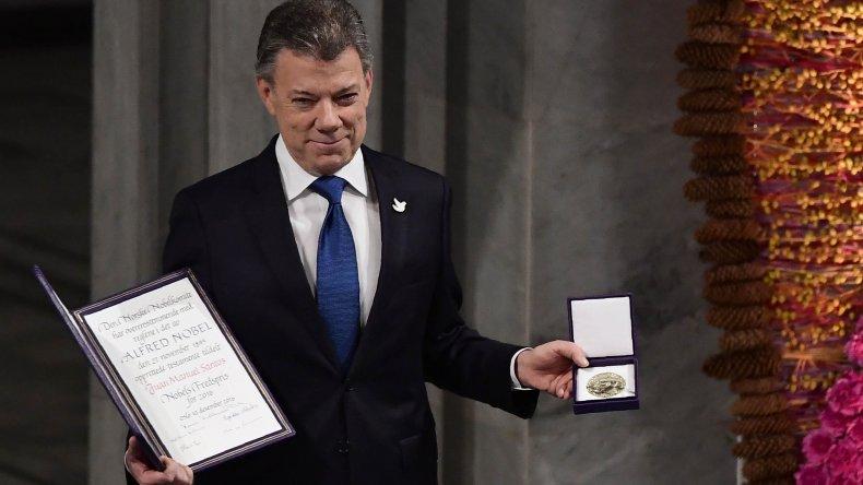 Santos recibió el Nobel: la paz parecía un sueño imposible