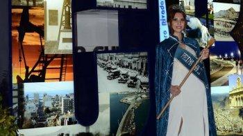 katherine haro fue coronada como reina nacional del petroleo