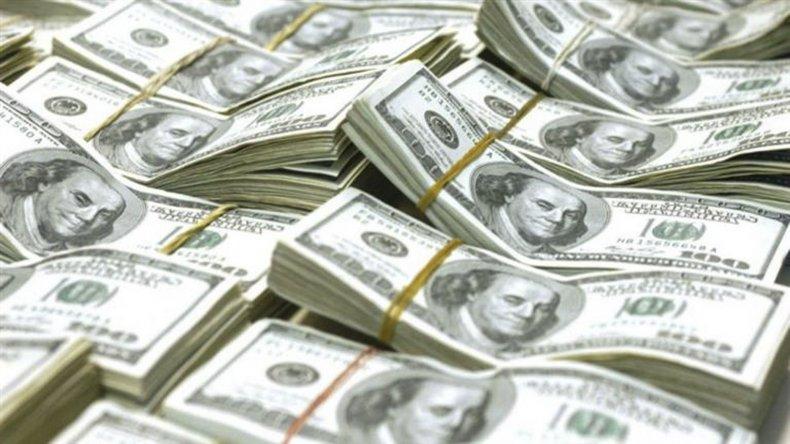 Novena baja consecutiva del dólar