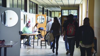sin oferta salarial: universitarios tambien paran
