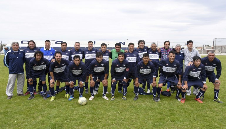 Jorge Newbery perdió 6-3 con Atlético Yupanqui y quedó eliminado en los octavos de final del torneo de la categoría Master.