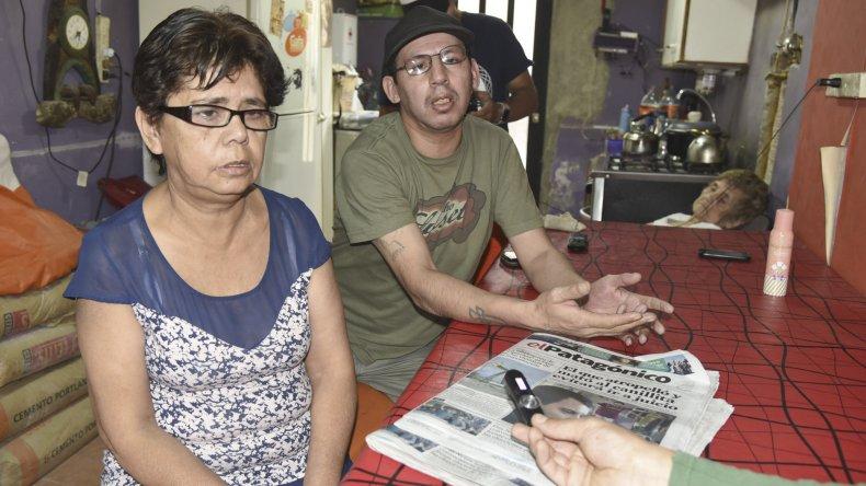 La madre y los hermanos del canillita exigen explicaciones por la decisión de la Justicia.