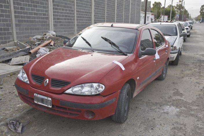 El Renault Mégane que fue secuestrado por la policía.