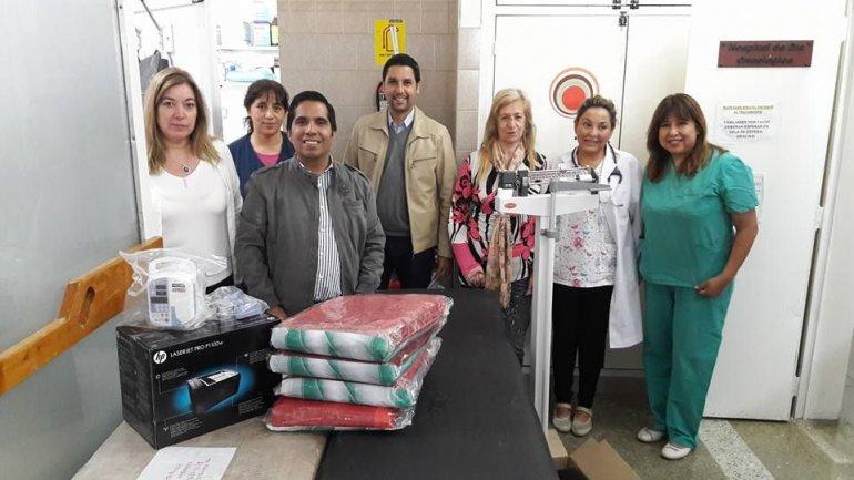 El Rotary Club de Comodoro Rivadavia entregó una serie de elementos al Hospital Oncológico de Día del Hospital Regional.