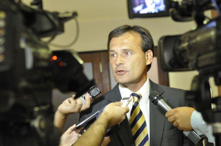 El ex vicegobernador Gustavo Mac Karthy confirmó ayer que los diputados provinciales Florencia Papaiani