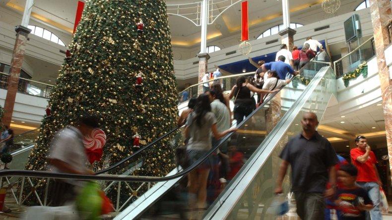 Por la inflación los argentinos comprarán menos regalos