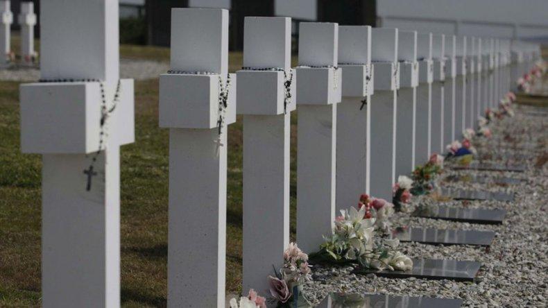 Entre julio y agosto realizarán los ADN para identificar a los caídos de Malvinas