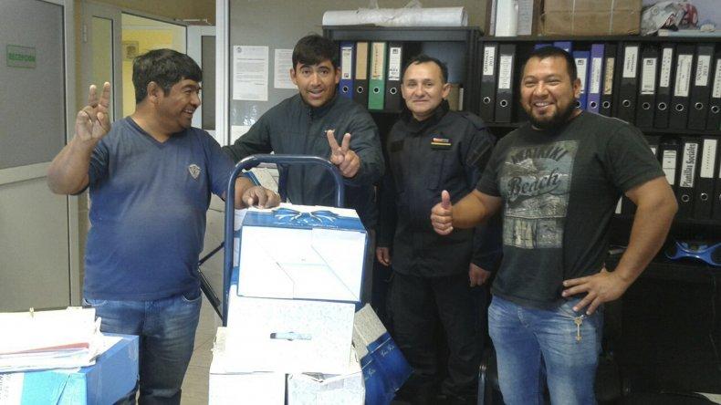 Petroleros Jerárquicos donó cajas navideñas en Las Heras