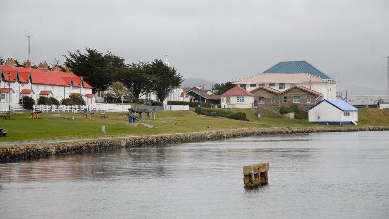 Los vuelos a las Islas Malvinas harían escala en Comodoro