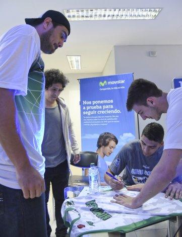 Jugadores del Verde y Bahía Basket compartieron autógrafos y sorpresas