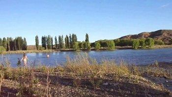 Detectaron contaminación en el río Limay: clausuraron un balneario