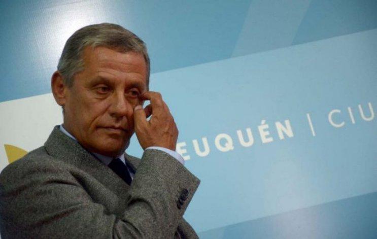 Denuncian al intendente de Neuquén de habilitar balnearios contaminados