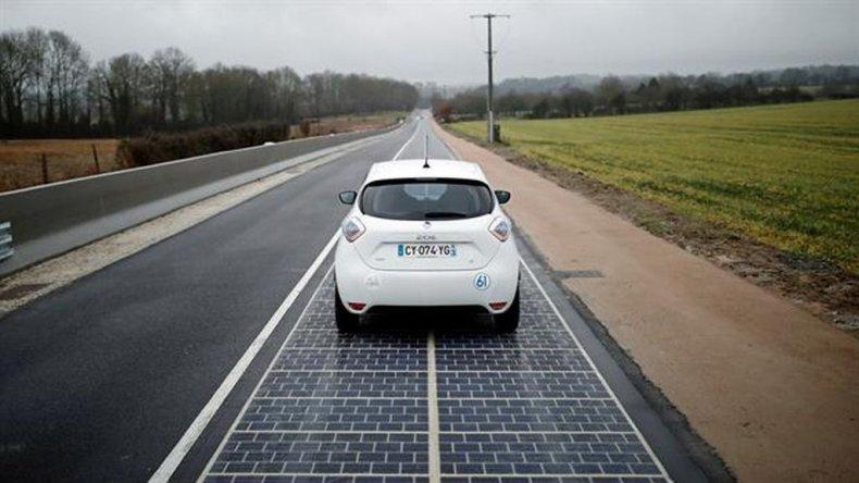 Francia inaugura el primer tramo de ruta solar del mundo