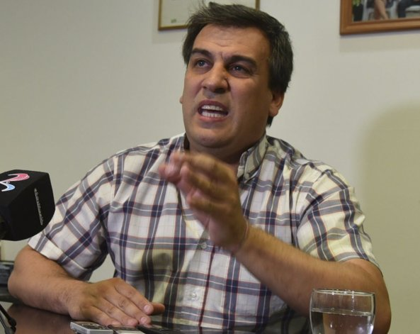 El intendente Facundo Prades acusó al Gobierno provincial de dilatar ex profeso el envío de fondos para pagar sueldos.
