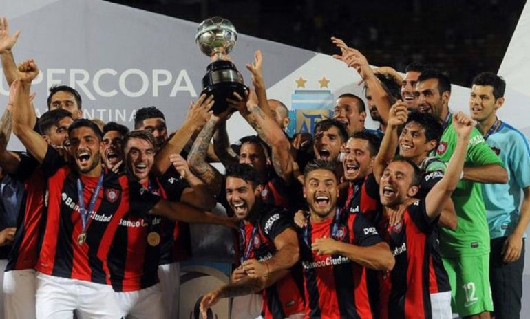 San Lorenzo levantó la Supercopa Argentina
