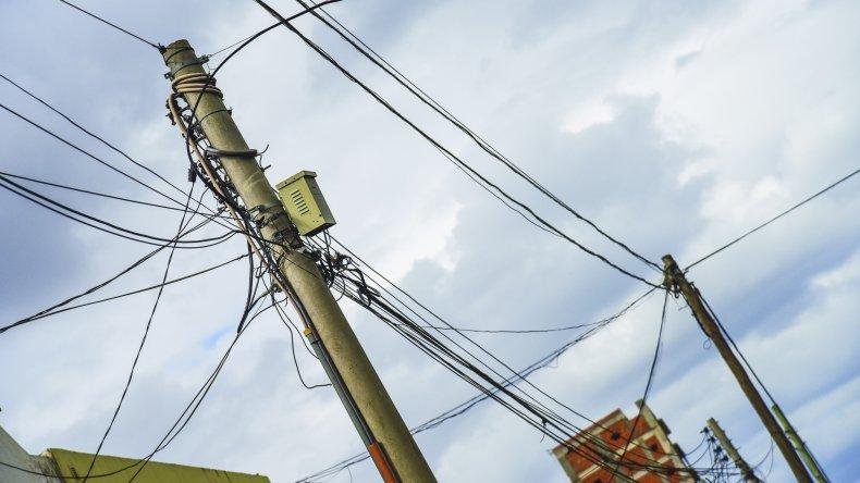 El ENACOM pone el acento en el estado de los postes de telefonía.