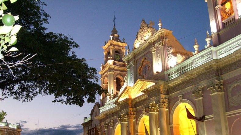 Salta sumará atracciones con eventos artísticos este verano.